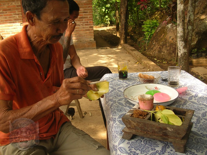 ...who is betel chewing the traditional Balinese way